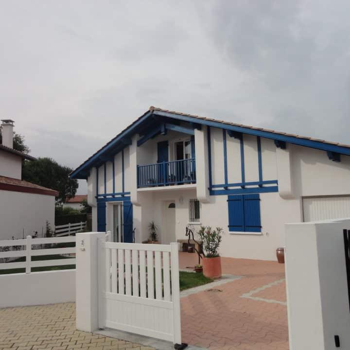 Best plan maison basque photos for Top constructeur maison